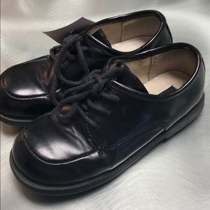 Boys Kenneth Cole Reaction dress shoes size 10